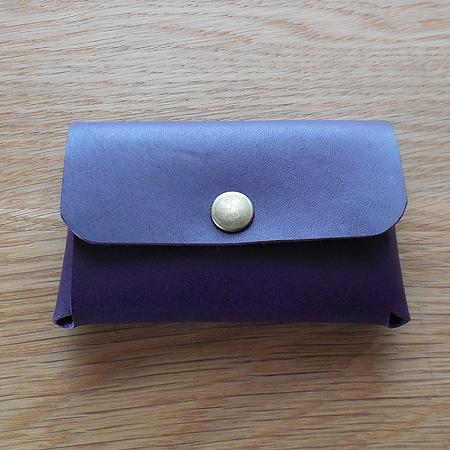 紫色の革 カードケース