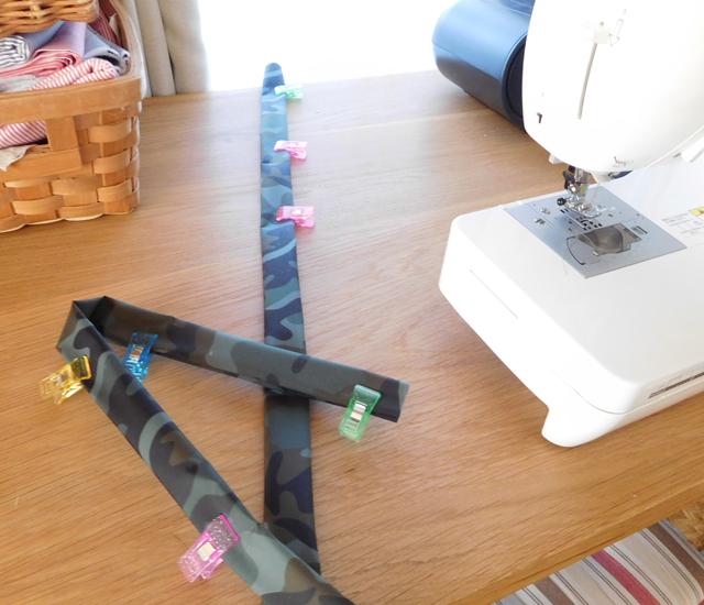 紐を縫う ナイロン生地