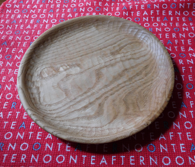 クリの木の皿